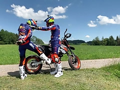 Gearbiker's on tour with their SUMO