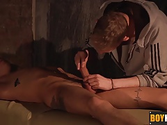 Horny Ashton gives Nathan a hard cockhold after body rub