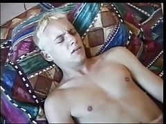 Twiks Fuck on Bed