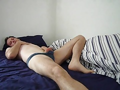 Jonathan Fredlund is in bed wakes and wanks till he cums