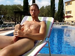 Young Muscle Twink Outdoor Wank