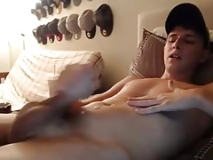 Sexy Boy Wank on his Bed