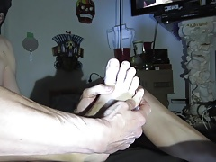 SUCKING MY TOES SELF FOOT WORSHIP