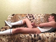 Mitya Chezz - Парень дрочит в гетрах