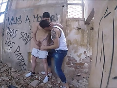 SEX IN ABANDONED HOUSE