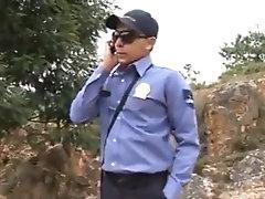 Policia se coge a sus presos favoritos
