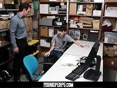 YoungPerps - Nerdy Twink Railed Out By A Security Guard