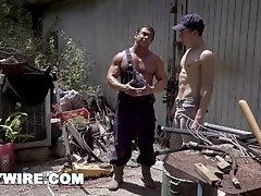 GAYWIRE - Bar Addison Becomes Draven Navarro's Farm Fuck Boy