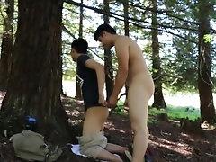 学生仔树林里大干