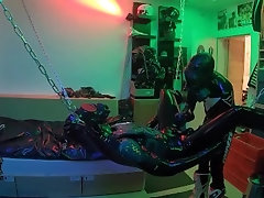 Full rubber breathplay fuck